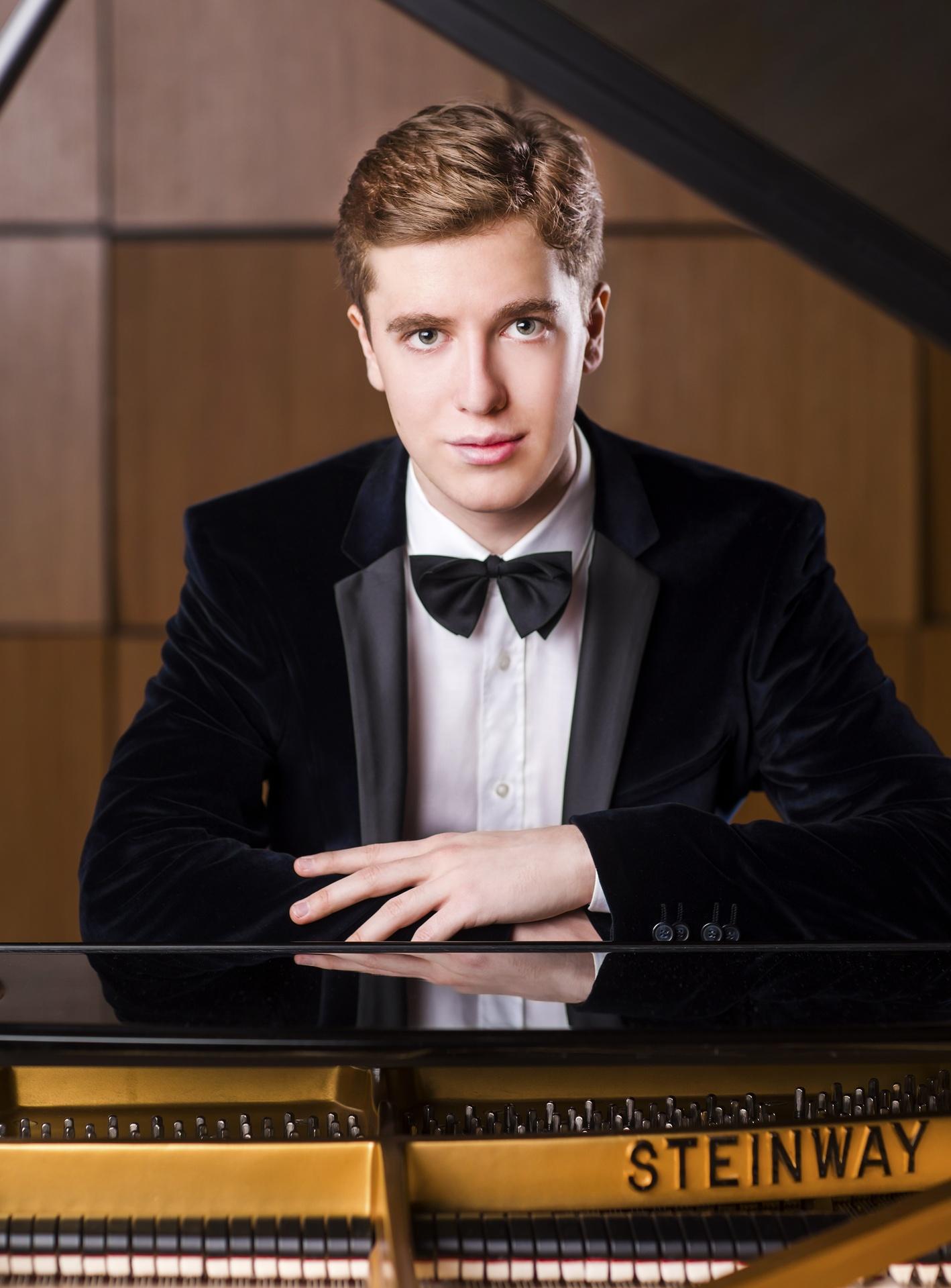 VladislavKern-SymBonVoyage