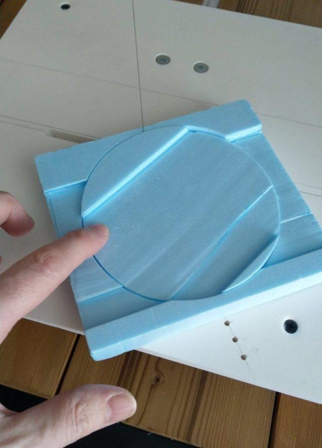 Foam cutter cutting circles!