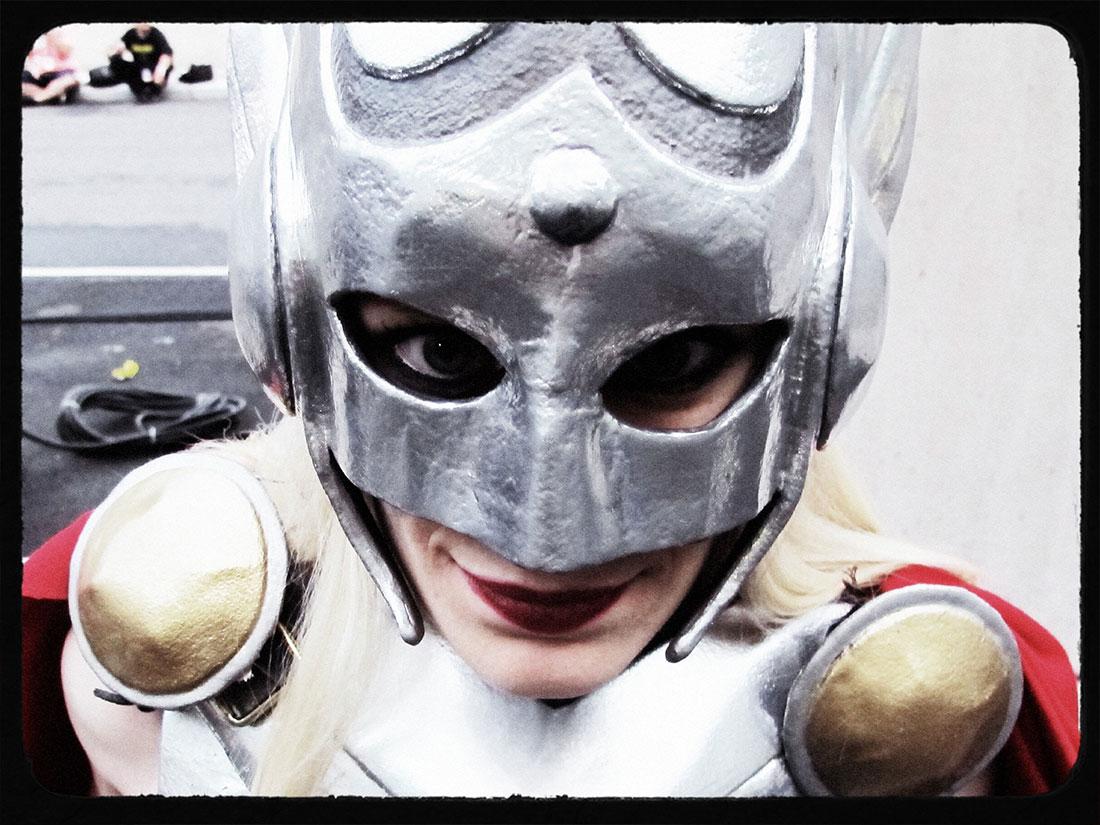 female-thor-cosplay-nycc14_4