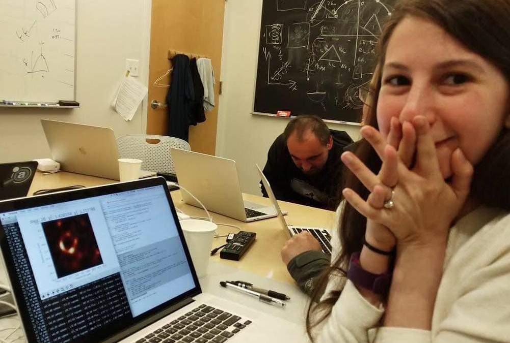 Buco nero M87, la foto che ha fatto la storia