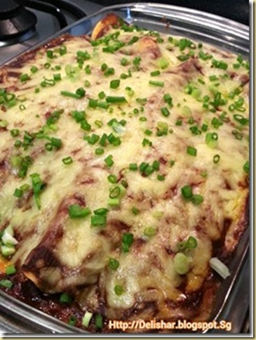 Special Guest Post–Mexican Cheesy Enchiladas with Red Mole Sauce