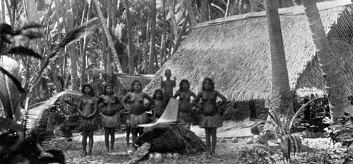 Arenibek, Nauru 1896. Photo by Augustin Krämer and uploaded to Wikimedia Commons by Rémih.