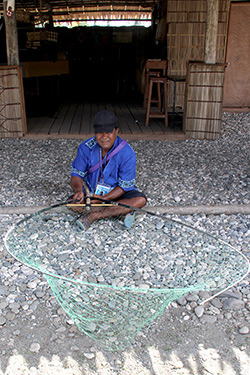 Nauru bird catcher at the Solomon Islands FestPac 2012. Photo by Ron J. Castro.
