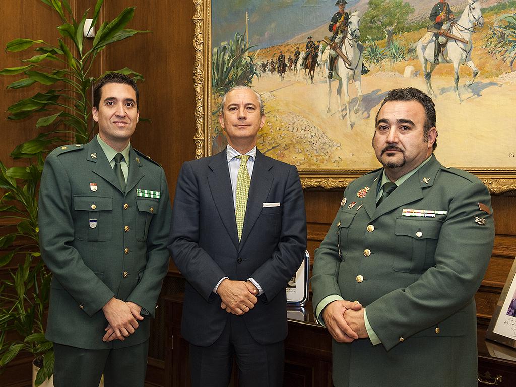 """El Director General de la Guardia Civil recibe en audiencia al Guardia Civil Angel Pablo Avilés, autor del libro """"X1Red + segura"""""""