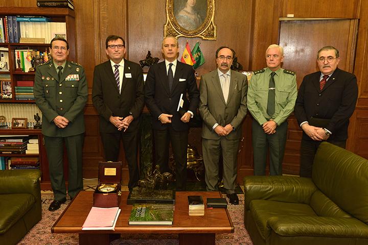 El Director General de la Guardia Civil ha mantenido una reunión con los miembros de la Asociación para la Protección del Patrimonio Histórico (PROTECTURI)