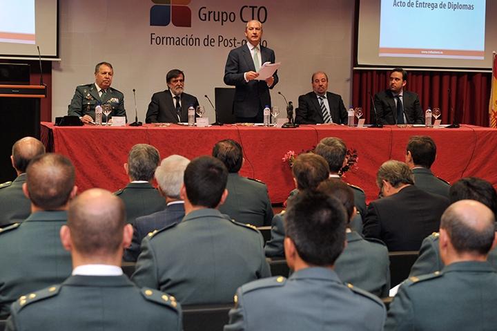 El Director General de la Guardia Civil hace entrega de los títulos de Postgrado impartidos por CTO a agentes de la Guardia Civil