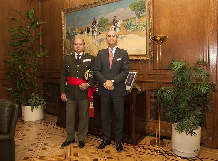 El Director General recibe al General Federico Guillermo Vázquez, nuevo Asesor Jurídico de la Guardia Civil