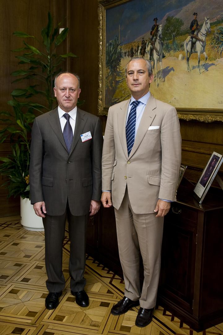 El Director General de la Guardia Civil junto con ACHRAF RIFI, Director de las Fuerzas de Seguridad Interior (ISF)