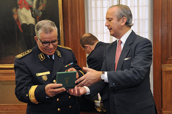 El Director General de la Guardia Civil se reúne con el General Jefe del Servicio Nacional de Guardacostas de Argelia