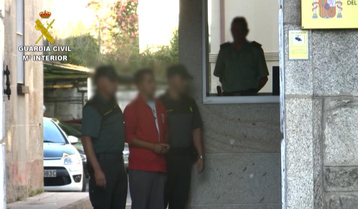 La Guardia Civil de tiene a un joven de Tomiño (Pontevedra) como presunto autor de 16 incendios forestales