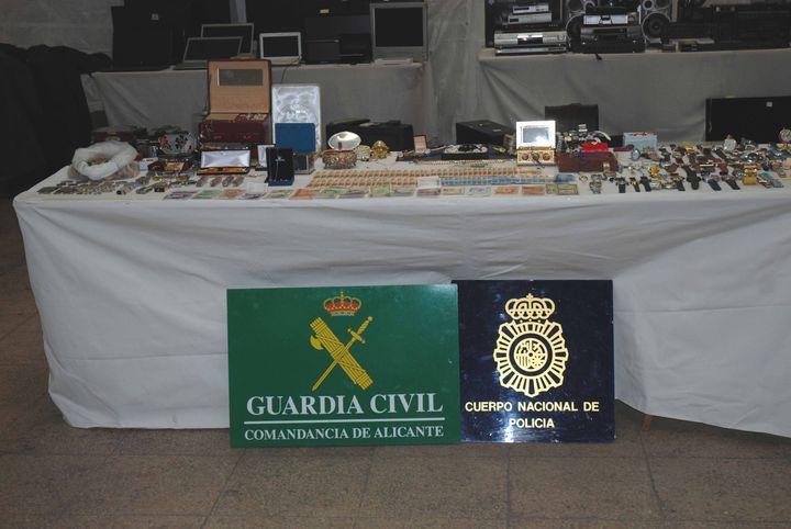 Guardia Civil y Policía Nacional detienen a un grupo organizado delictivo dedicado al robo con fuerza en chalets y casas de campo