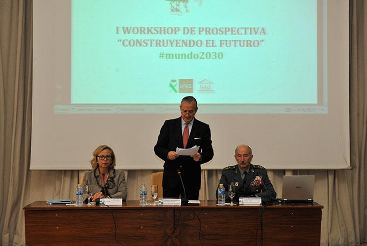 """El Director General, Arsenio Fernández de Mesa, inaugura el I Workshop de Prospectiva en la Guardia Civil """"Construyendo el Futuro"""""""
