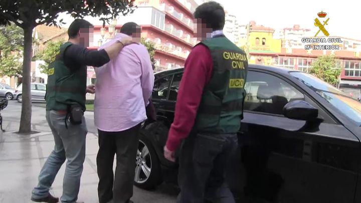 """La Guardia Civil desarticula una organización que blanqueaba dinero de redes criminales a través del método de """"Hawala"""""""