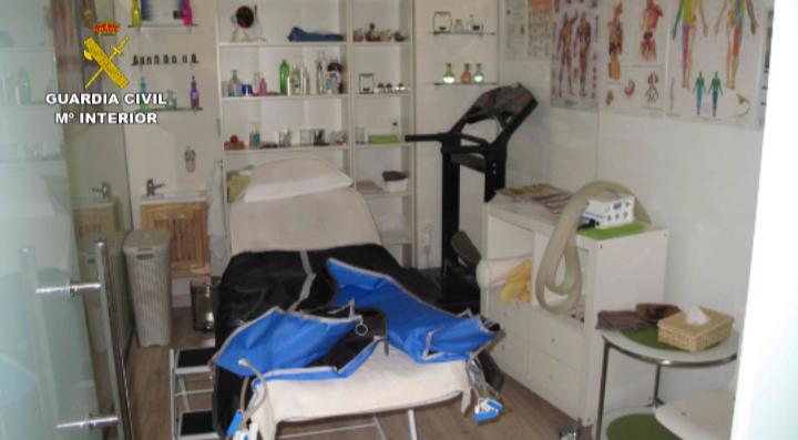 La Guardia Civil imputa a 10 personas por realizar masajes terapéuticos sin titulación La investig… http://wp.me/p2n0O4-20a via @segurpricat
