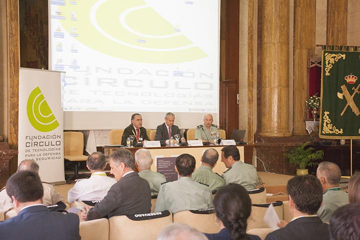 """El Director General de la Guardia Civil inaugura la Jornada """"Tecnologías aplicables a la vigilancia de Fronteras"""""""