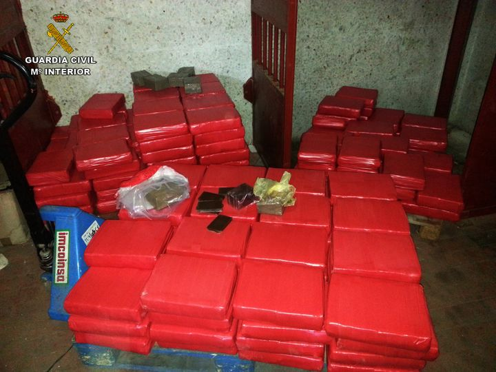 La Guardia Civil desmantela una organización dedicada a exportar hachís oculto en dobles fondos de camiones