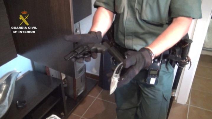 """La Guardia Civil desarticula tres grupos criminales dedicados a cometer robos con violencia por el método de """"Policías Full"""""""