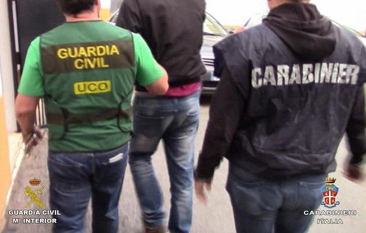La Guardia Civil detiene a un miembro de la camorra napolitana asentado en España