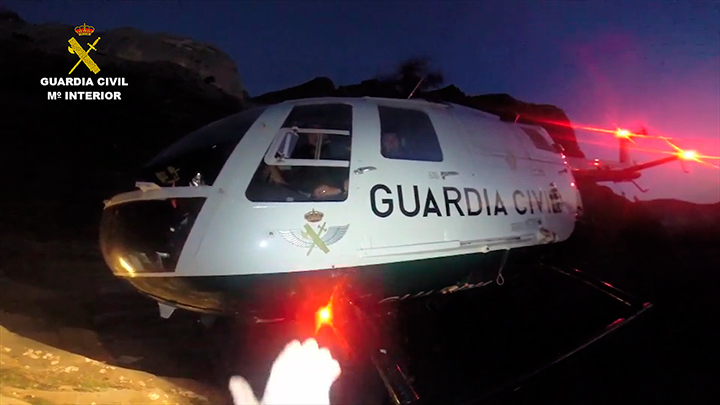 La Guardia Civil rescata a una pareja de montañeros accidentada en la faja Carriata en Ordesa (Huesca)
