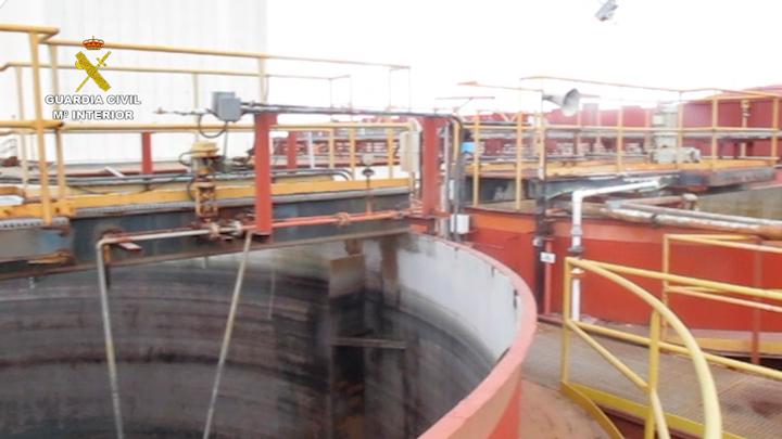 Imputados los responsables de una empresa de tratamiento de residuos por acumular y verter hidrocarburos de forma ilegal