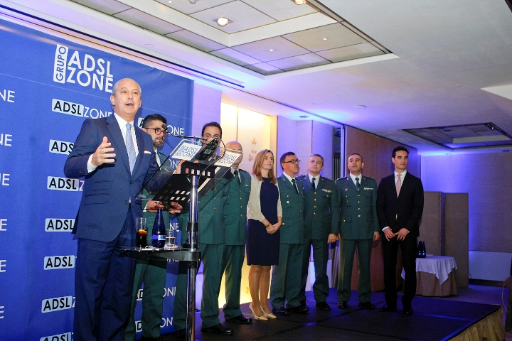 La Guardia Civil galardonada por su estrategia en las redes sociales en los premios que concede el Grupo ADSL ZONE