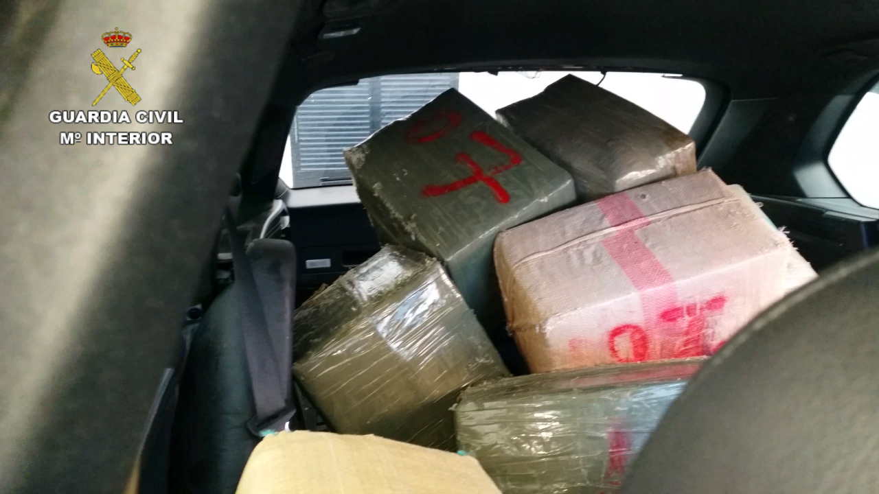 La Guardia Civil desarticula una importante organización de narcotraficantes que utilizaba todo tipo de embarcaciones para transportar la droga