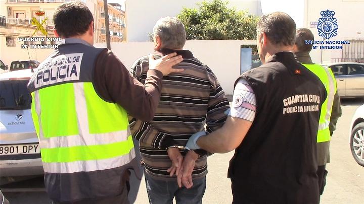 Detenidas dos personas dedicadas a cometer atracos a punta de pistola en sucursales bancarias