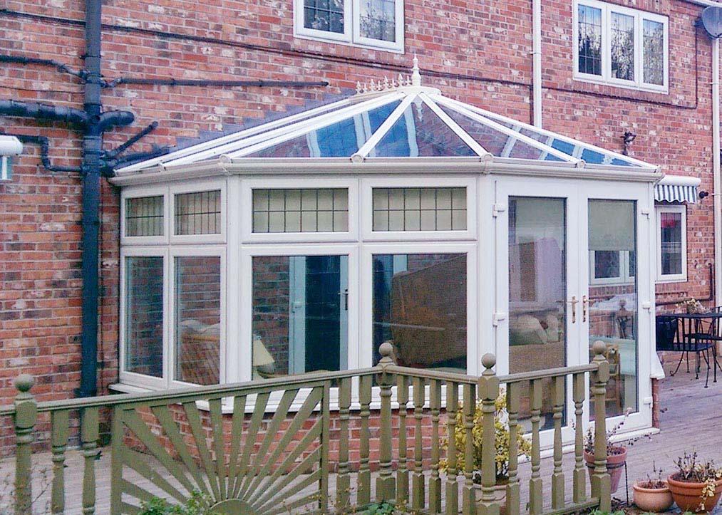 Glazed conservatory roof