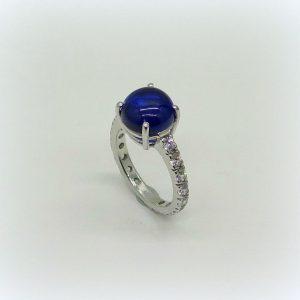 Anello cabochon blu in argento 925