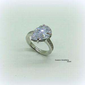 Anello in argento 925 goccia color diamante e gambo in zirconi