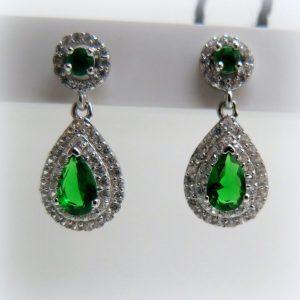 Orecchini pendenti goccia verde in argento 925