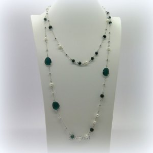Collana Sovrani perle barocche e giada verde