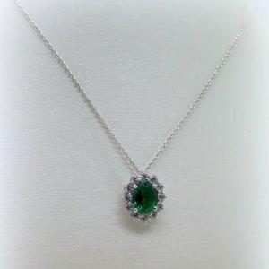 Collana ciondolo contorno in argento 925 centro verde