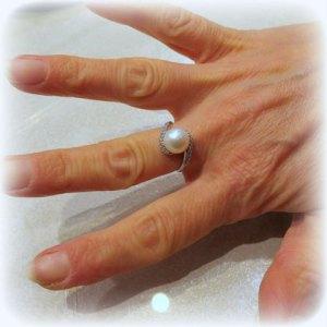 Anello perla in oro bianco 18 ct