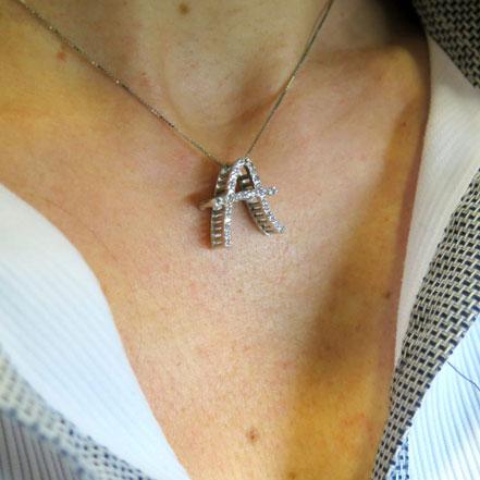 Collana ciondolo iniziale A tridimensionale in argento 925 e zirconi