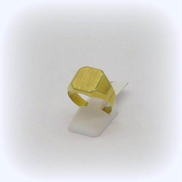 Anello uomo scudo in oro giallo 18 ct