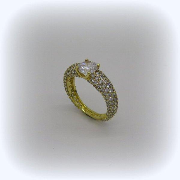 Anello solitario e pave in argento 925 placcato oro giallo