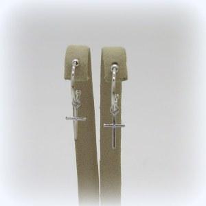 Orecchini in oro con croce pendente