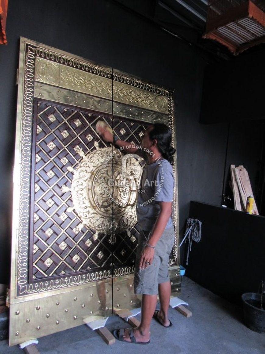 finishing replika pintu nabawi