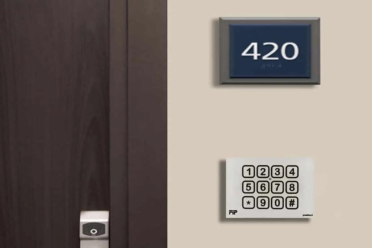manuale d'uso serratura elettronica albergo