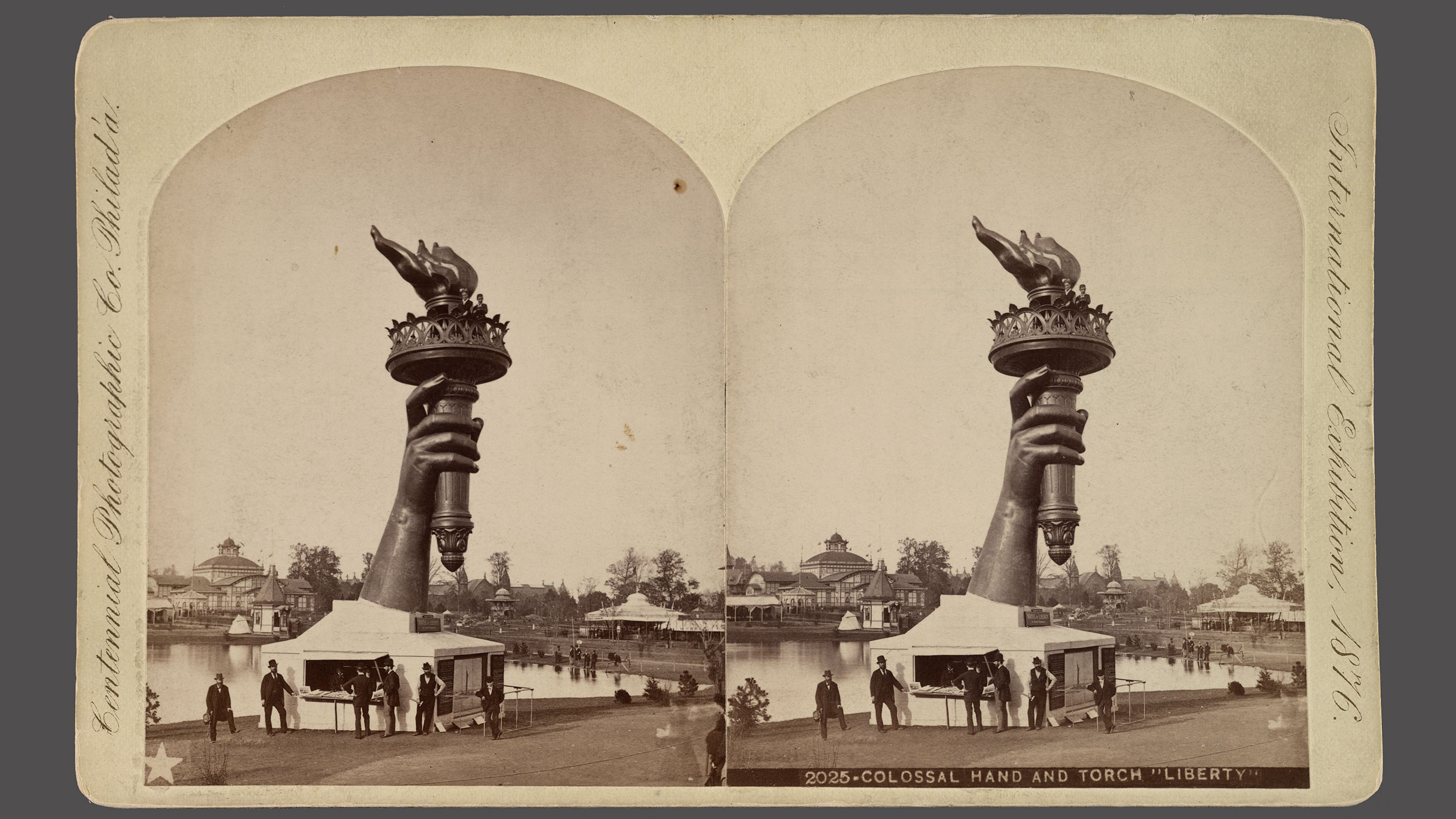 Stereograph showing the Statue of Liberty's hand installed at the 1876 Philadelphia Centennial Exhibition. Image: Courtesy the Library of Congress