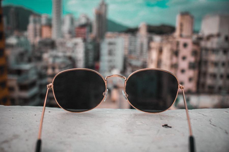 óculos de sol com uma excelente vista