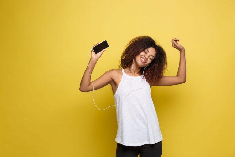 curly girl listen music