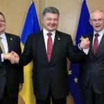 Presidente da Ucrânia assina acordo de livre comércio com a UE