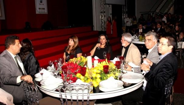 Amigos e autoridades de Brasília prestigiando o evento