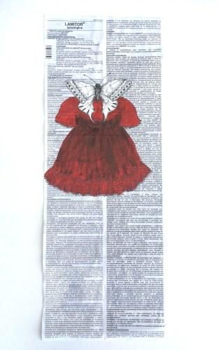 Valéria Pena-Costa. Bula 10. LAMITOR. vermelho  Pintura acrílica e nanquim sobre bula de remédio.