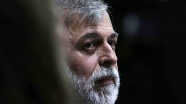 """Paulo Roberto Costa: ele confessou ter recebido US$ 1,5 milhão para """"não atrapalhar o negócio"""" - Foto: Ueslei Marcelino/Reuters"""