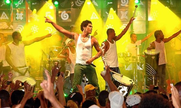 Timbalada faz ensaio de carnaval em Brasília