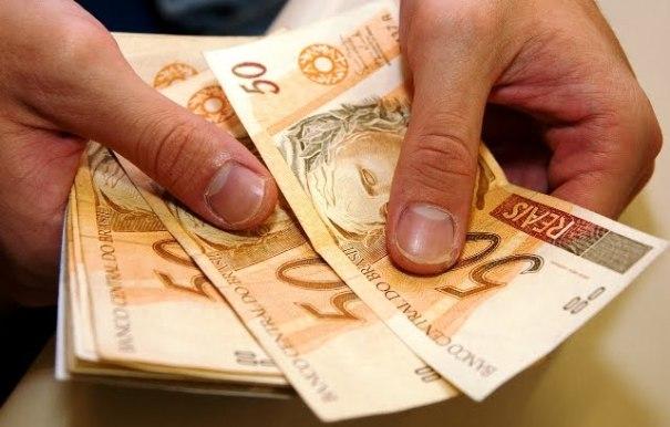 Governo propõe salário mínimo de R$ 854 em 2016 - Foto: Internet