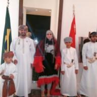 Khalid Sair Salem, Embaixador de Omã, e esposa recepcionando convidados em sua residência para despedida do Embaixador do Sudão, Abd Elghani E.Awad
